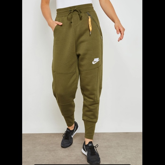 nike nsw fleece jogger